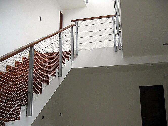 Pin escaleras ventanas para tejado puertas attiko - Puertas para escaleras ...